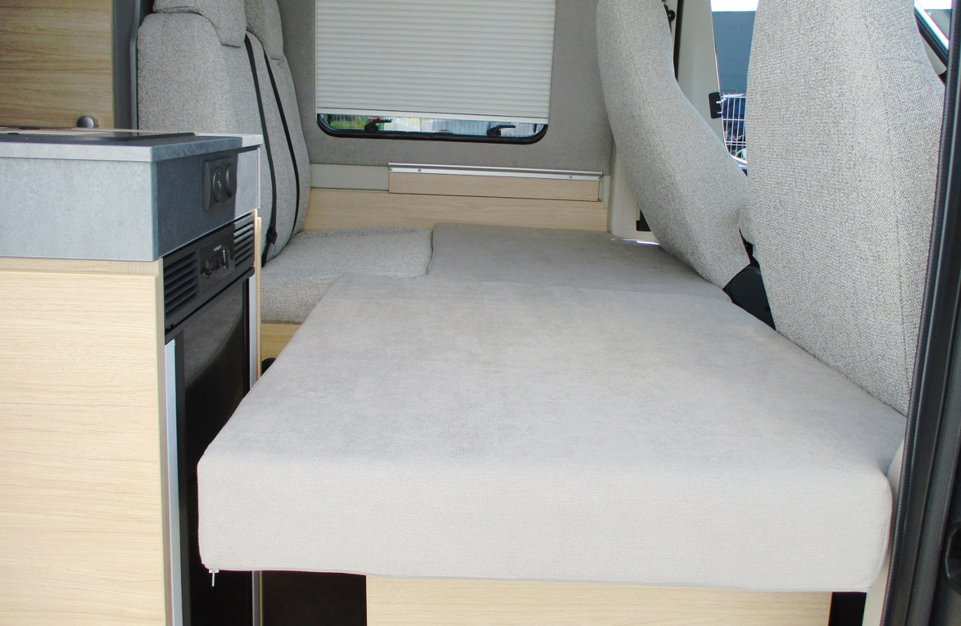 Wohnmobil mieten- PÖSSL 2WIN Plus 3. Schlafplatz