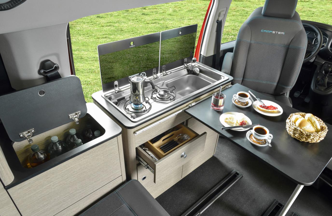Mietwohnmobil Campster Küchenzeile